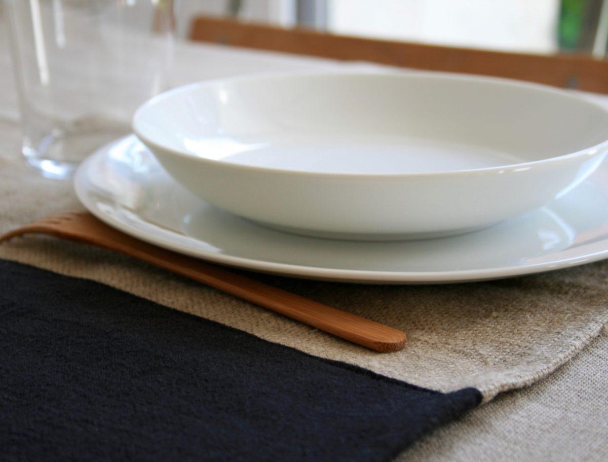 set-de-table-lin-noir-naturel