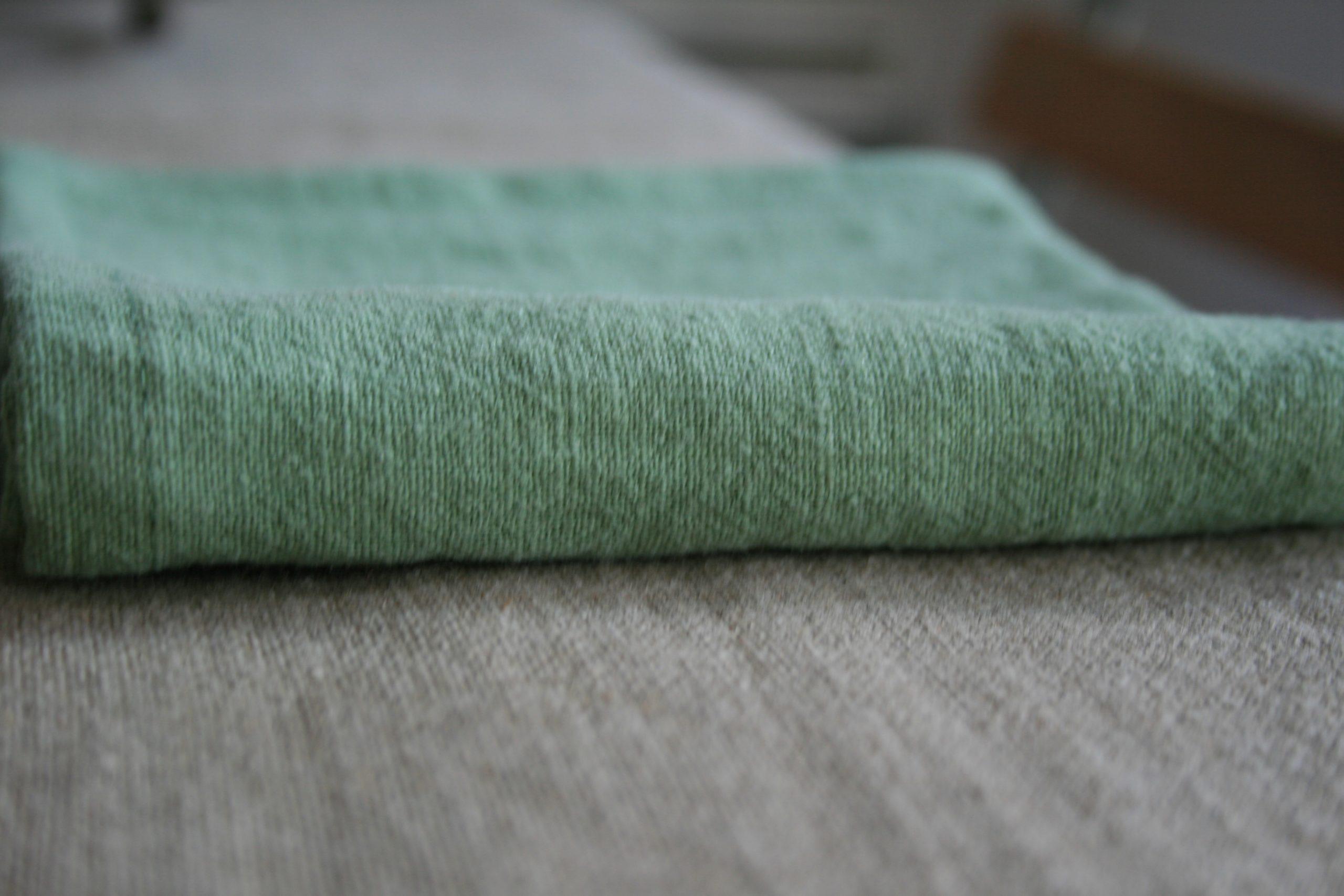 serviette-lin-vert-amande